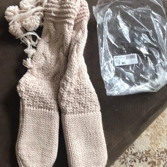 e1468d919f6 NWT Cozy Ugg Slipper Socks!! NWT
